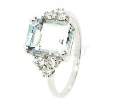 Anello-acquamarina-1.40-carati-e-0.18-ct-diamanti