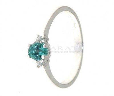 Anello-con-smeraldo-5x4mm-e-diamantini
