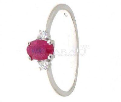 rubino 2 diamanti laterali per l'anello elegante